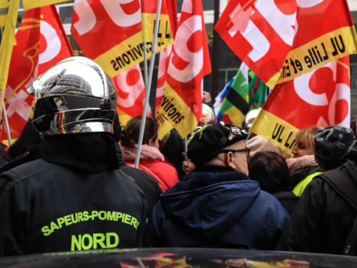 Les pompiers ont défilé à côté de nombreux autres corps de métier.