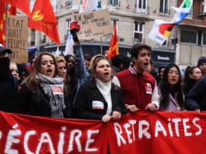 Les étudiants ont formé un cortège contre la précarité et la réforme des retraites.