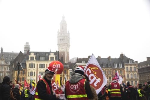 Les membres de la CGT ont répondu nombreux à l'appel de grève du 5 Décembre dans un Lille sous le brouillard