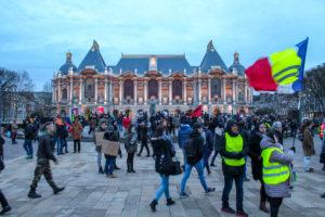 Les manifestants sont retranchés place de la République