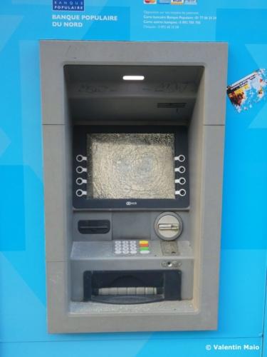 Les banques ont une nouvelle fois été la cibles des casseurs scaled