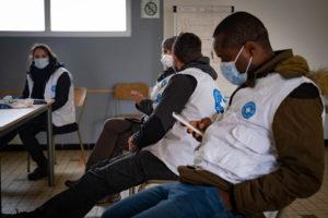 Les équipes de Médecins du Monde se préparent à aller sur le terrain.